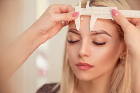 eyebrow transplant procedure